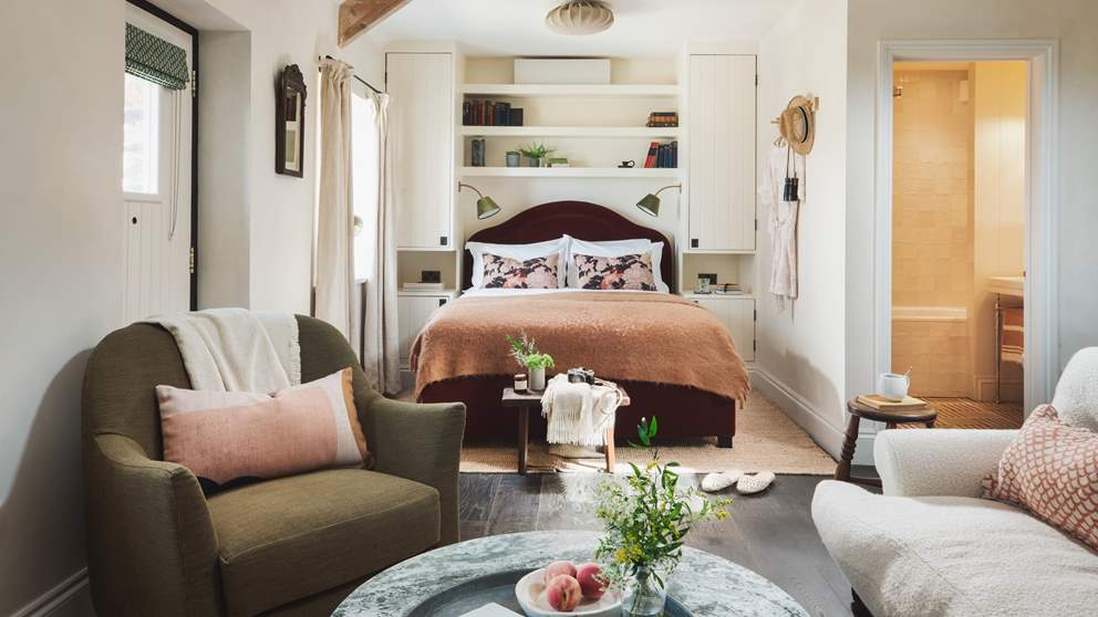 Open plan living means a laid back yet luxurious setting; the perfect bijou getaway