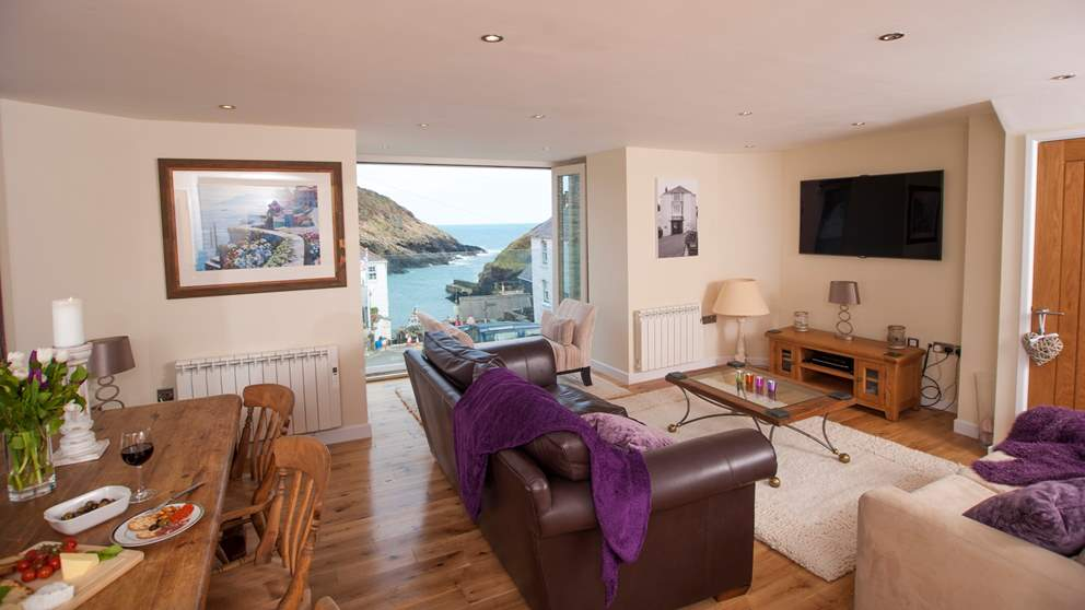 This gorgeous luxury cottage has simply unbeatable floor to ceiling coastal views.