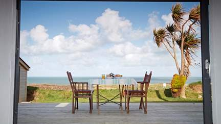 The Beach Hut - 3.8 miles E of St Ives, Sleeps 2 in 1 Bedroom