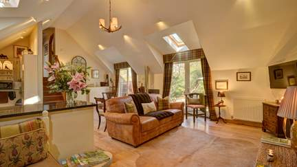 The Quantock Hide - The Quantock Hills, Sleeps 4 + cot in 2 Bedrooms