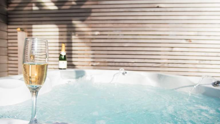 Fern at The Emerald - Sleeps 2 + cot - Falmouth