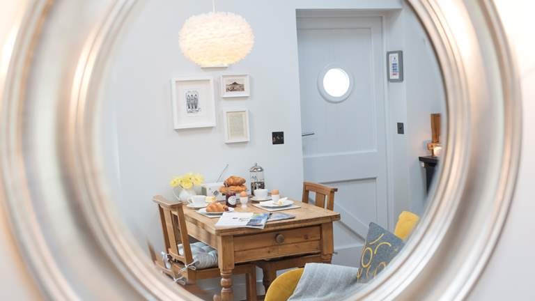The Store Room - Sleeps 2 + cot - Mousehole