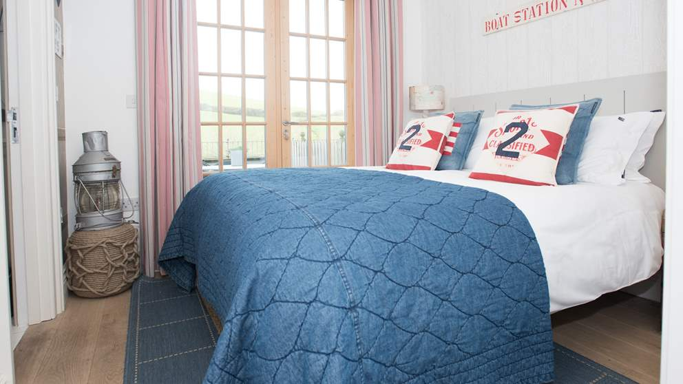 Awesome Enjoy Boutique Luxury At Start Bay Lookout Salcombe Download Free Architecture Designs Scobabritishbridgeorg