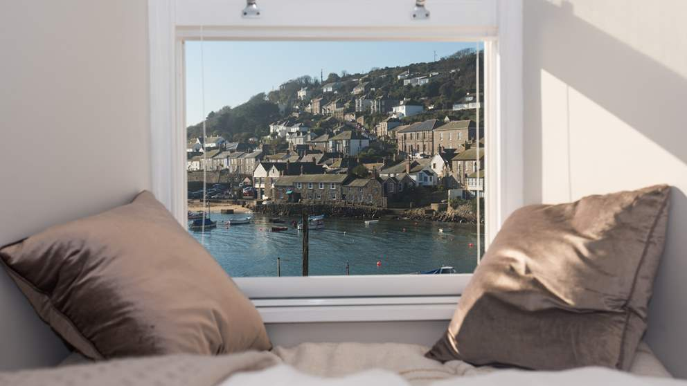 Berlewen, situated right by the harbour, boasts some of the best views to be found in Mousehole.