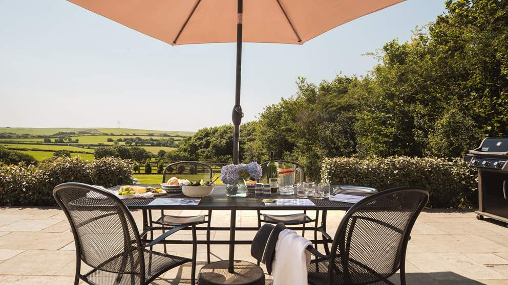 Barn Owl Roost has a fully enclosed garden and is surrounded by untouched countryside, yet is just a few miles from Padstow.